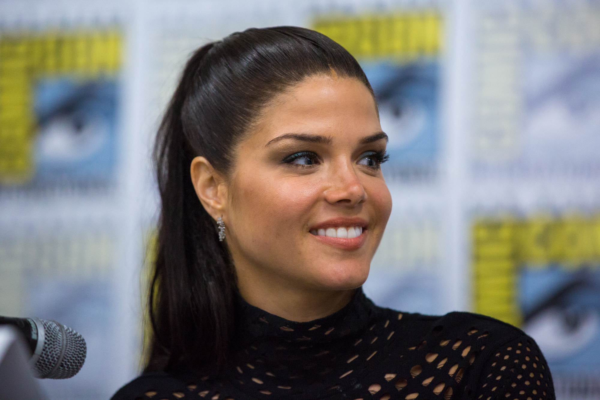 Marie Avgeropoulos | R...